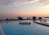 villas ski in the pool